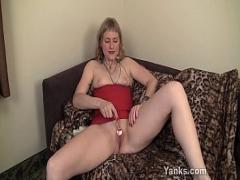 Nice sexual video category milf (727 sec). Yanks Babe Josie Finds Her G-Spot.