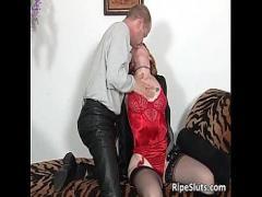 Best video link category stockings (1368 sec). Mature slut in stockings sucks fat boner.